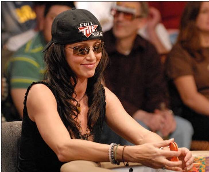 Women sport features - Is Poker a Chance for Equality?