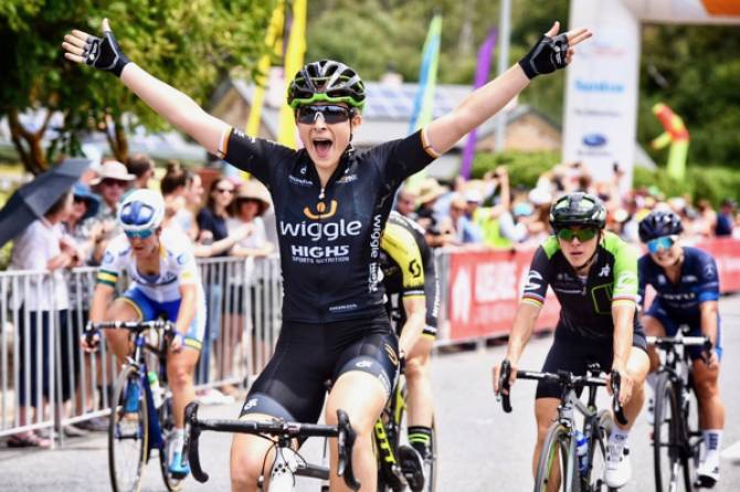 Women sport news - Edmondson Wins Santos Women's Tour Opening Stage In Fast Bunch Sprint