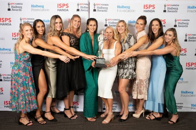 Women sport news - Resurgent Silver Ferns clinch Team of the Year title
