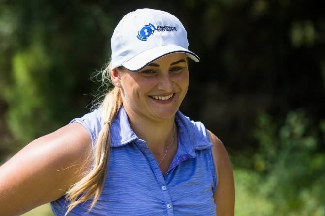 Women sport news - Thompson leads on 66 at Sotogrande