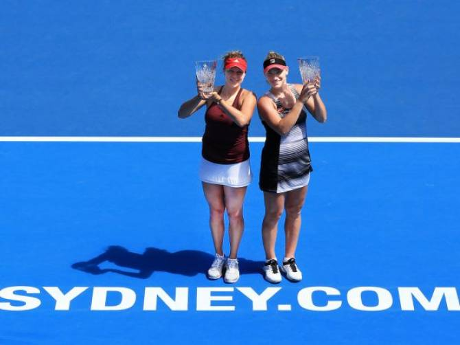 Women sport news - Babos, Pavlyuchenkova win doubles crown