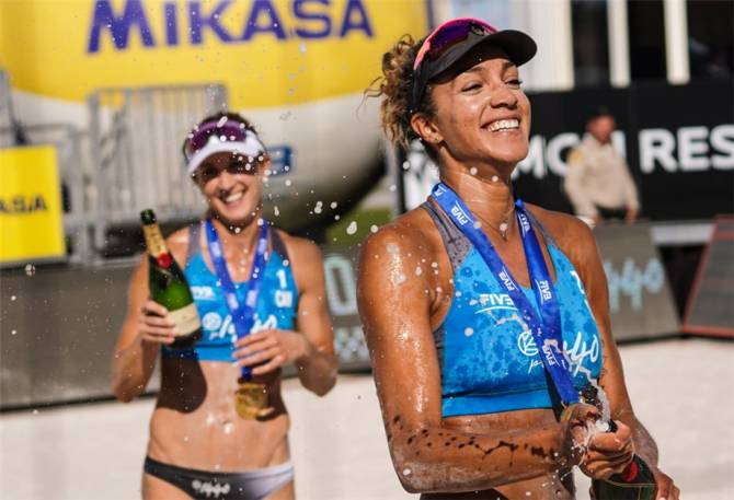 Women sport news - BANSLEY & WILKERSON TRIUMPHANT IN LAS VEGAS' FINAL