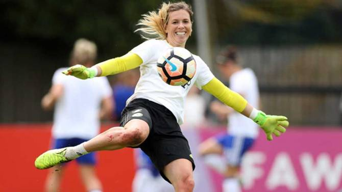 Women sport news - CARLY TELFORD SAYS ENGLAND ARE THRIVING UNDER GREATER EXPECTATION