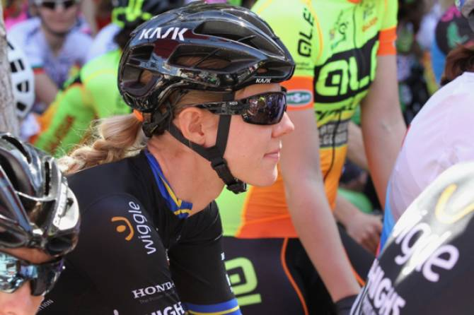 Women sport news - Emilia Fahlin and Julie Leth renew with Wiggle High5 Pro Cycling