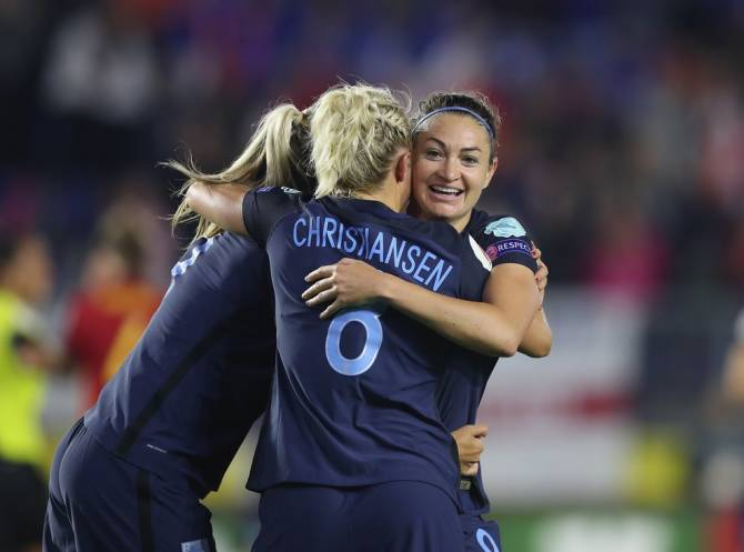 Women sport news - England clean win against Spain 2-0