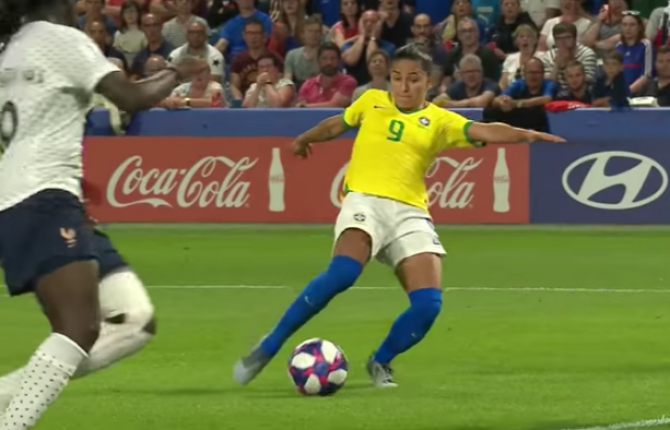 Women sport news - Les Bleues and Lionesses battle through