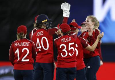 Women sport news - Knight And Glenn Take England To Victory Over Pakistan