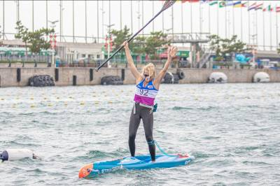Women sport news - Booth and Honscheid are first ICF stand up paddling world champions