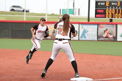 Women sport news - Cervantes and Zymkowitz return to bandits lineup for 2015