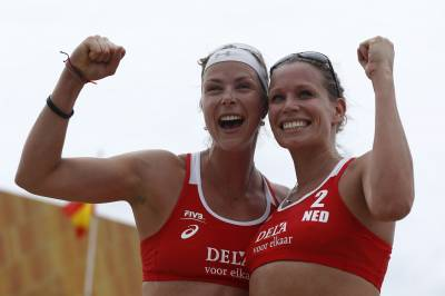 Women sport news - Dutch player Sanne Keizer  returns to beach volleyball with new partner Madelein Meppelink.