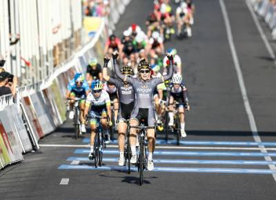 Women sport news - Edmondson and Hosking go one-two in Santos Tour Criterium Stage