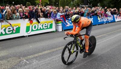 Women sport news - Emotional win for van Vleuten