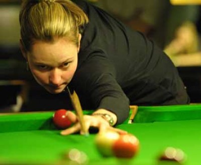 Women sport news - Evans extends her winning form in Swindon