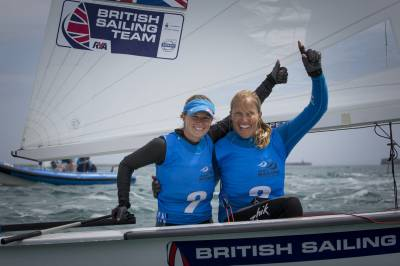 Women sport news - Golden hat-trick for the hosts on final day of World Cup racing