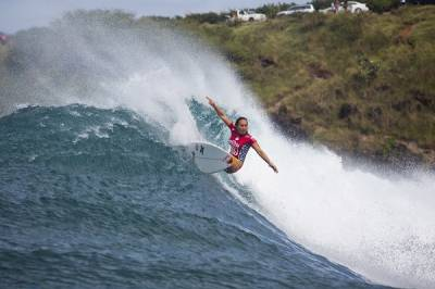 Women sport news - Moore & Conlogue Battle for WSL Title at Target Maui Pro