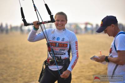 Women sport news - Moroz dominates day one of KiteFoil World Series