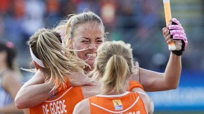 Women sport news - Netherlands hit top gear and tame Las Leonas