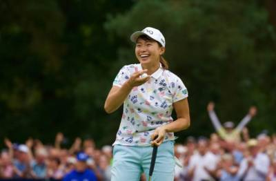 Women sport news - SHIBUNO SEALS FAIRYTALE VICTORY-DAILY QUOTES FROM THE COURSE