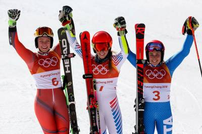 Women sport news - Shiffin wins Giant Slalom Gold Number Two
