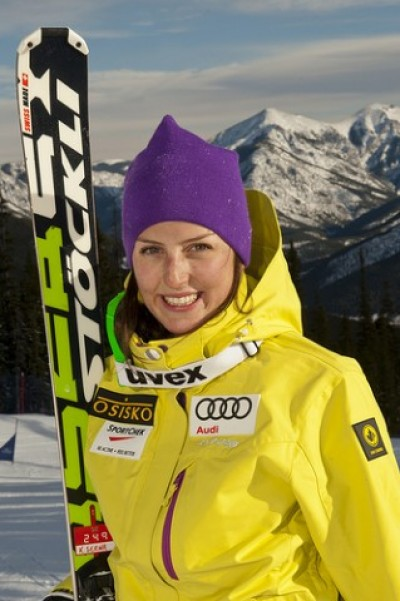 Women sport news - Ski cross world champ Serwa back on snow