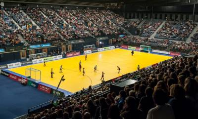 Women sport news - Super 6s is back as indoor hockeyreverts to 6-a-side