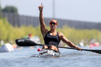 Women sport news - Tokyo favourites show gold medal form at canoe sprint world titles