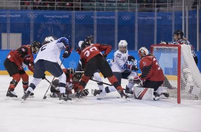 Women sport news - US Women fall to Canada 2-1in Final Olympic Preliminary Game