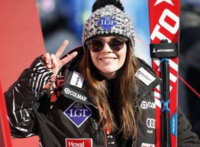 Women sport news - Weirather Wins While Vonn Is Reminded Of Social Media Gaffe