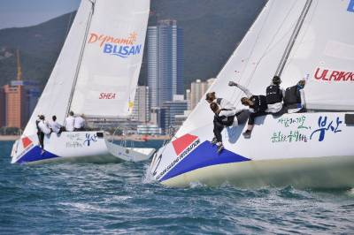 Women sport news - WIM Series leader on four wins after tricky first day