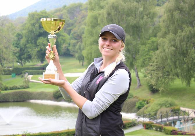 Women sport news - OEKLER EDGES SJOHOLM IN PLAY-OFF TO CLINCH NEUCHATEL TITLE