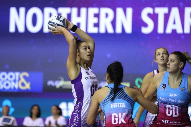 Women sport news - STEEL SHOW PLENTY OF HEART IN FACE OF ADVERSITY