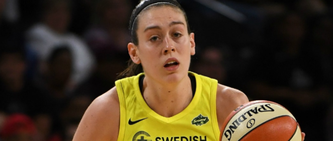 Women sport news - Stewart Scores 30, Seattle Comes From Behind To Defeat Chicago