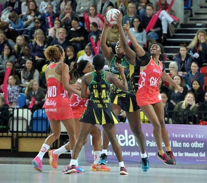 Women sport news - Super Sunshine Girls down rusty Roses in London