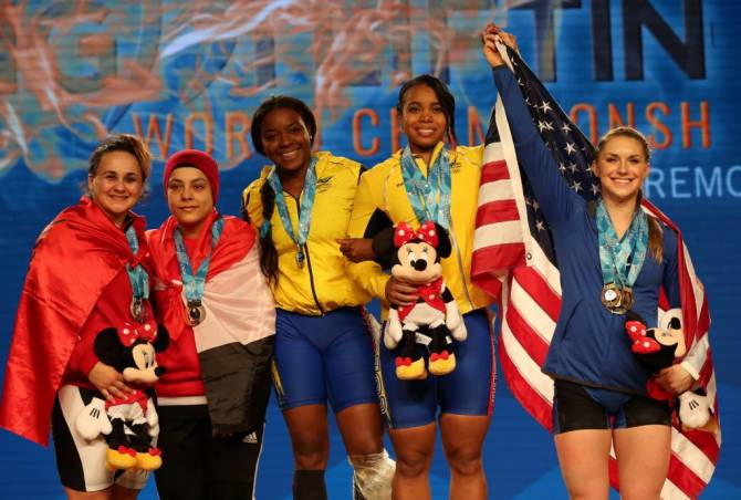 Women sport news - Three golds to three athletes in Anaheim