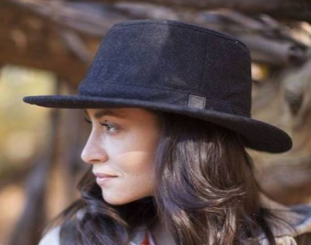 Women sport products - Classic Winter Hat in Harris Tweed by Tilley