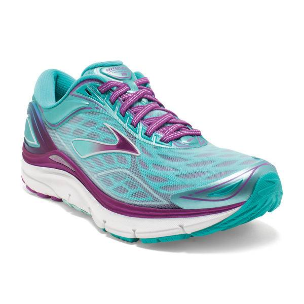 Brooks Racer back Bra and Transcend Trainers